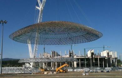 Traslado de la cúpula del Buesa Arena